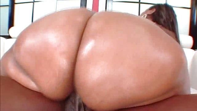 Yet more big ebony butts